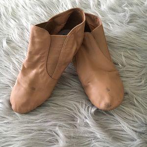 BLOCH Tan Jazz Shoe Size 6.5 Women's Split Sole